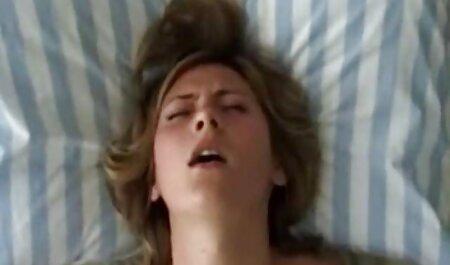 De jonge vrouw bezwijkt aan de gratis sexfilms leraar.